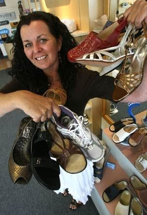 Tempe shoe store looks for wider appeal