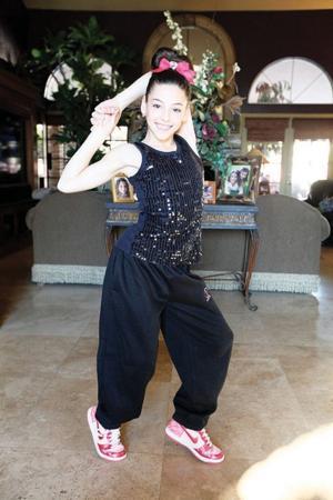 afn.011911.news.dancer1.jpg