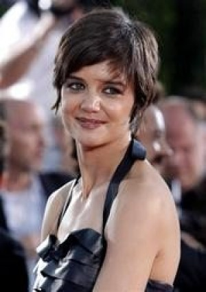 Cruise praises Katie Holmes' Broadway performance