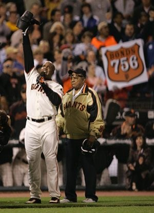 East Valley fans cheer, jeer Barry Bonds