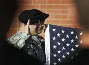 US soldiers re-enlisting because of poor economy
