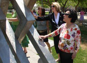 Art becomes escape for dementia patients