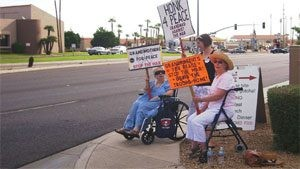 Sun City grandmas take to streets in war protest