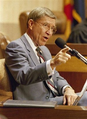 Former Gov. Evan Mecham dies at age 83