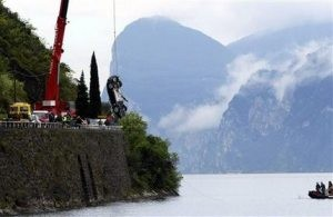James Bond film car plunges into northern Italy lake