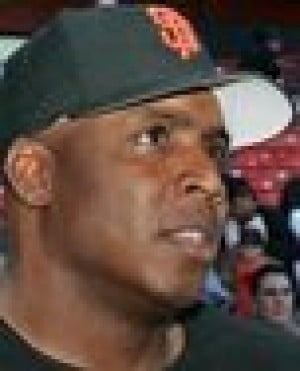 Bonds outlandish, defiant in press conference