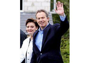 Blair's Labour Party wins re-election