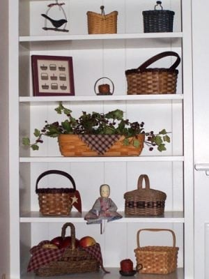 Simple ideas keep treasures artfully displayed