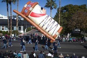 Fiesta Bowl Parade celebrates Arizona history