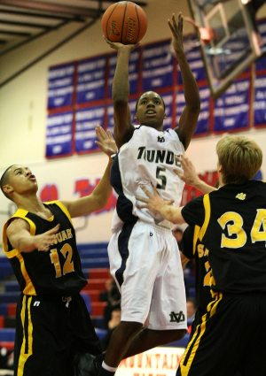 Red Mountain wins 3rd straight in tourney