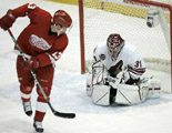 Red Wings dominate Coyotes, 4-2
