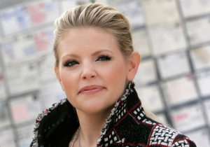 Dixie Chicks singer sued for defamation