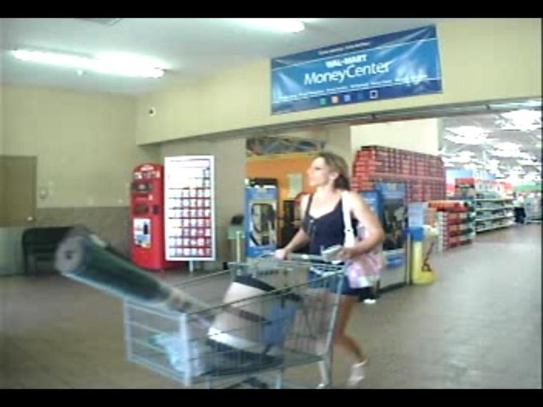 Suspect in Mesa credit card theft