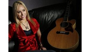 Tempe's Rickiejoleen aims for 'Nashville Star'