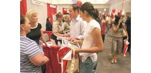 Jobs plentiful for recent graduates