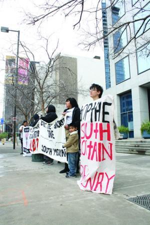 Anti-freeway demonstrators