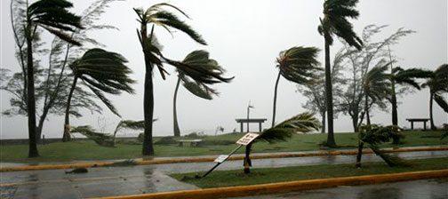 Hurricane Dean pummels Jamaica