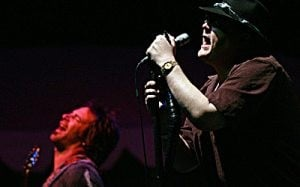 Blues Traveler rocks McDowell Mt. Music Fest