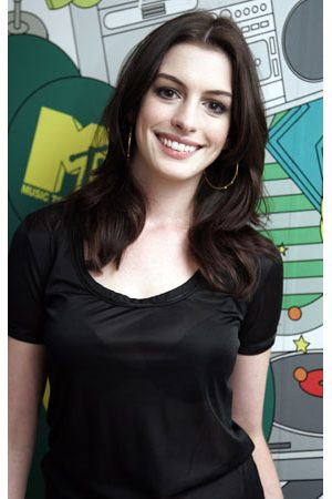 To become Jane, Hathaway had to put on her tired face