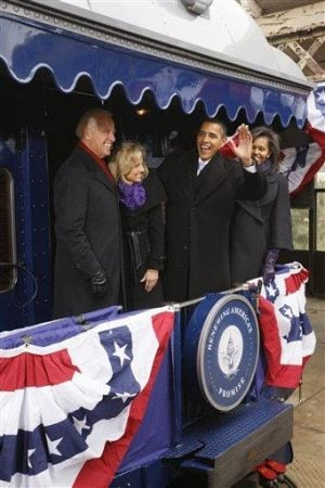 Obama rides the rails to DC for inaugural kickoff
