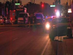 Mesa police in standoff with shooting suspect