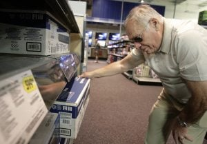 Blu-ray still faces fight against old DVD