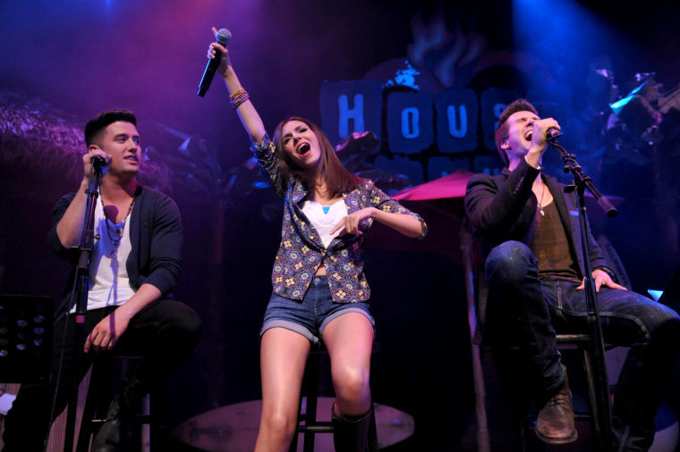 Victoria Justice with Big Time Rush