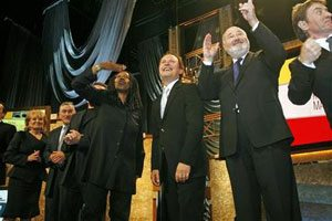 Billy Crystal wins Twain humor prize