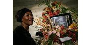 Detroit residents pay respects to Parks