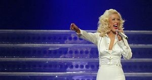 Christina Aguilera brings spectacle (and swing) to Valley
