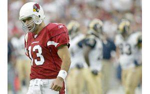 Warner's fumble in final minutes costs Cardinals