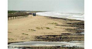 Hurricane Emily aims at Mexico coastline