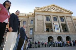 'Arizona Embrace' gives Capitol a group hug