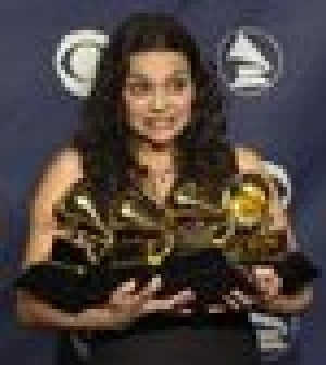 Newcomer Norah Jones sweeps Grammy awards