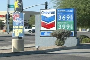 Little change in gas prices for Arizonans