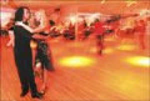 E.V. club has the footwork for steamy tango dancing