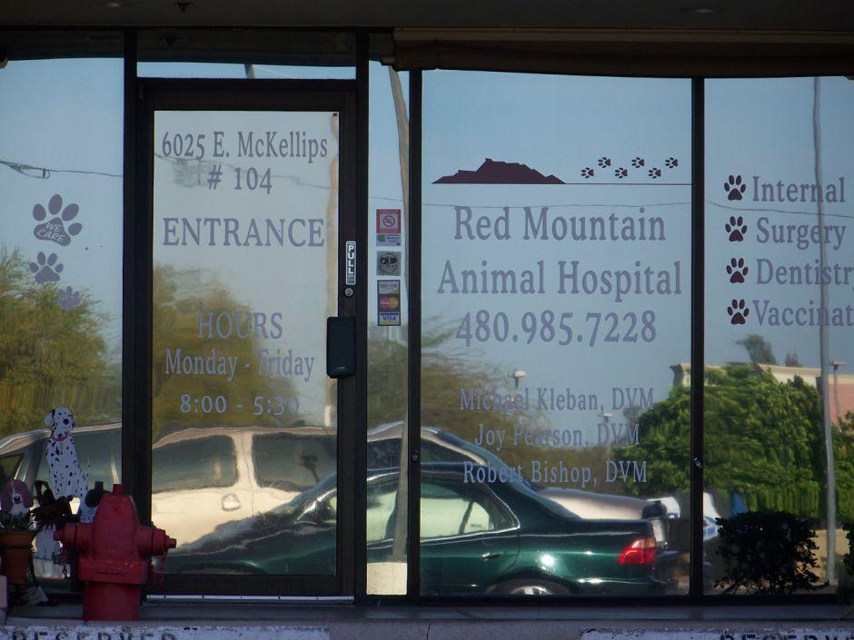 Best of Mesa 2014 Veterinarian: Red Mountain Animal Hospital