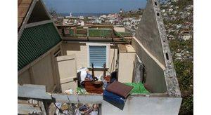 Ivan begins lashing Jamaica; dozens dead