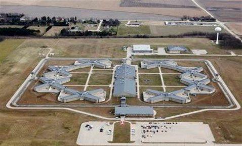 Illinois prison to get Gitmo detainees