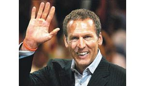 Bryan Colangelo leaves Suns for Toronto