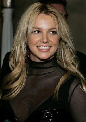 Court: Spears' dad has temporary control