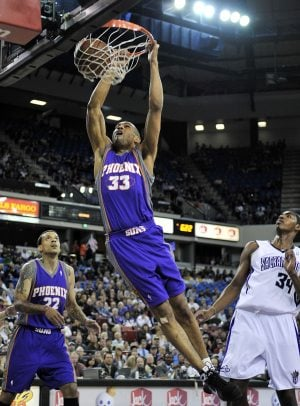 Thompson has 21 points to lead Kings over Suns