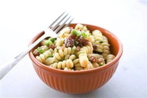 Food-Carbonara Pasta Salad