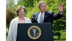 Bush signs national Amber Alert bill