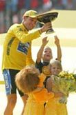 Armstrong bids farewell to Tour de France