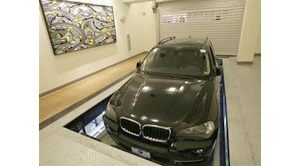 Robot parking garage to open in New York