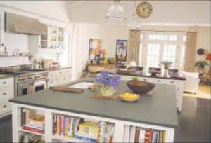 A glam kitchen from Hollywood is a hit off screen