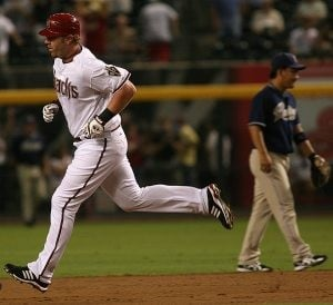 Diamondbacks survive slugfest with Padres