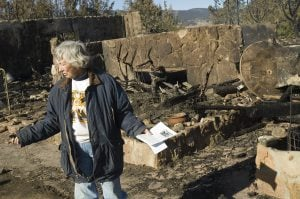 Crews contain Colo. wildfire; residents return