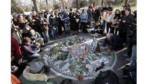 Fans mark anniversary of Lennon's murder